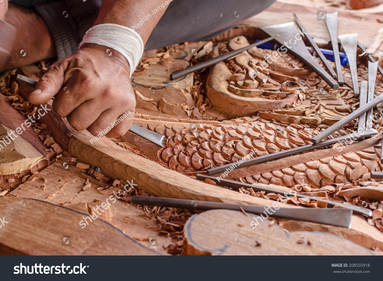 工匠雕刻木头.-物体,艺术-海洛创意(hellorf)-中国