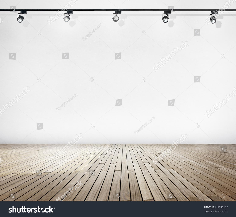白墙和聚光灯木地板-编辑-海洛创意(hellorf)-中国