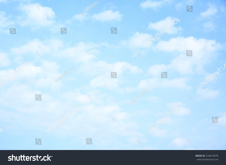 浅蓝色的天空和云,可用作背景-背景/素材,自然-海洛()